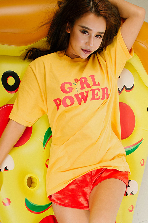 블랙피치(sale) GIRL POWER Oversize T - Shirt