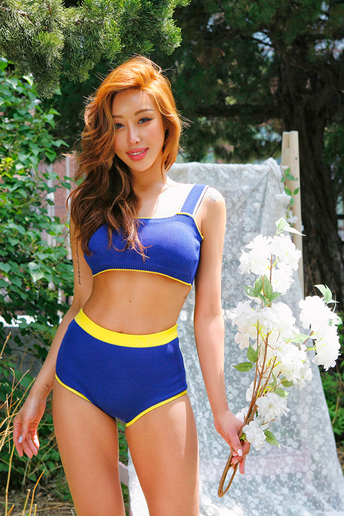 블랙피치Knitted Padded High Waisted Bikini Set